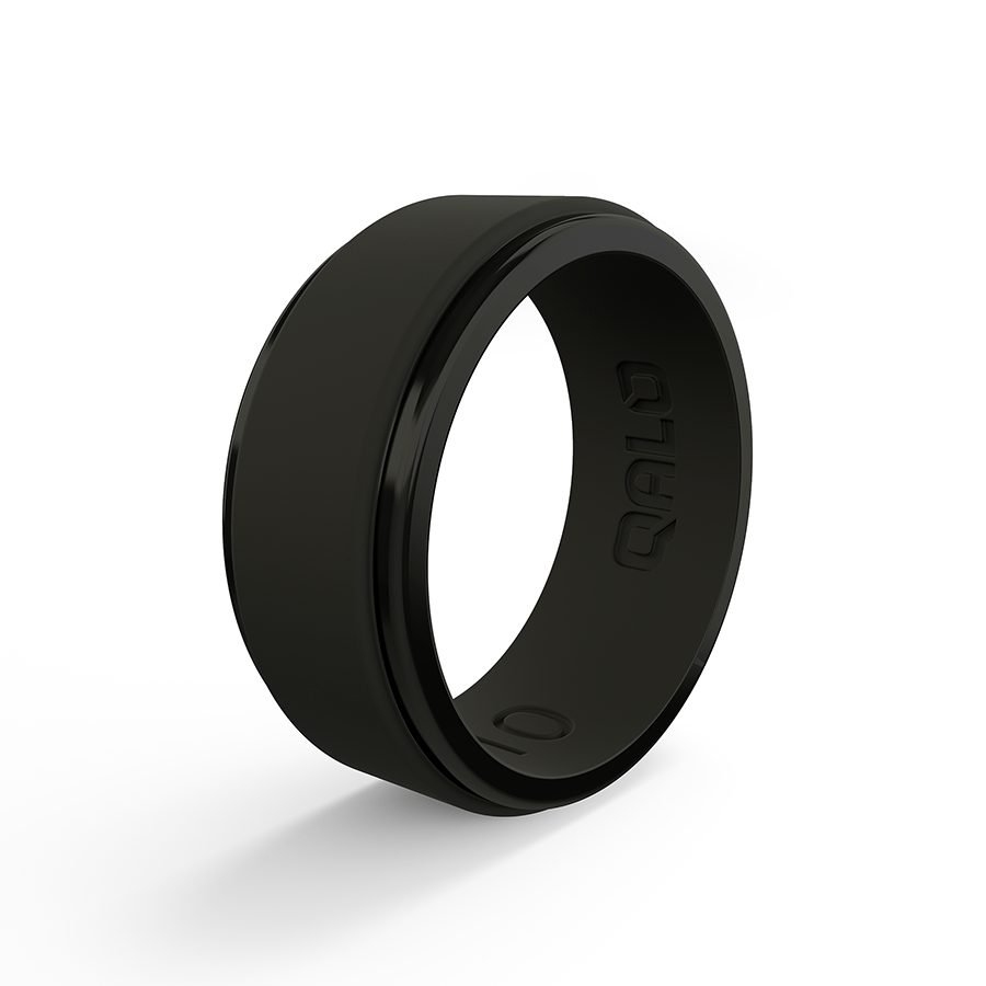 Qalo – Polished Step Edge Silicone Ring